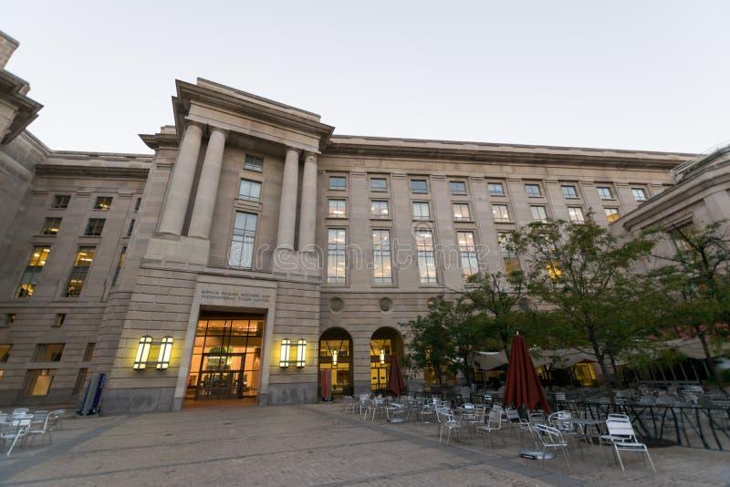 Ronald Reagan Building en Internationaal Handelscentrum in gelijkstroom royalty-vrije stock afbeeldingen
