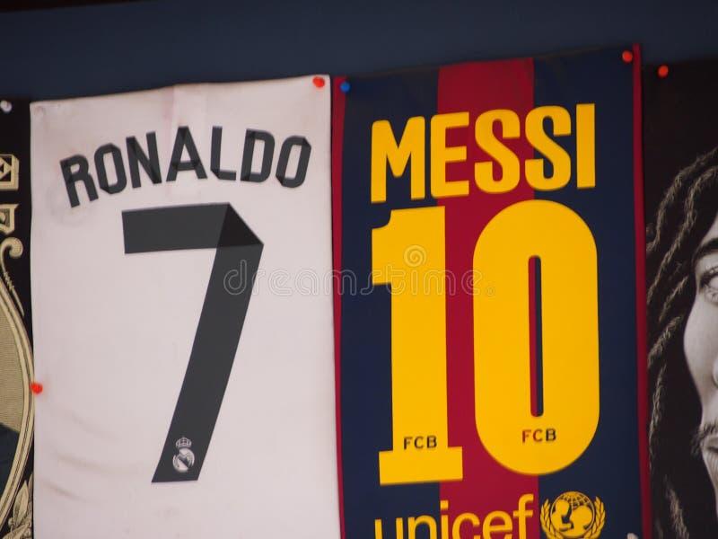 Ronaldo o Messi? fotografia stock