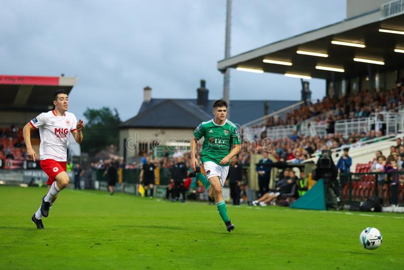 Ronan Hurley på ligan av Irland den första uppdelningsmatchen mellan Cork City FC vs St Patricks idrotts- FC arkivbilder