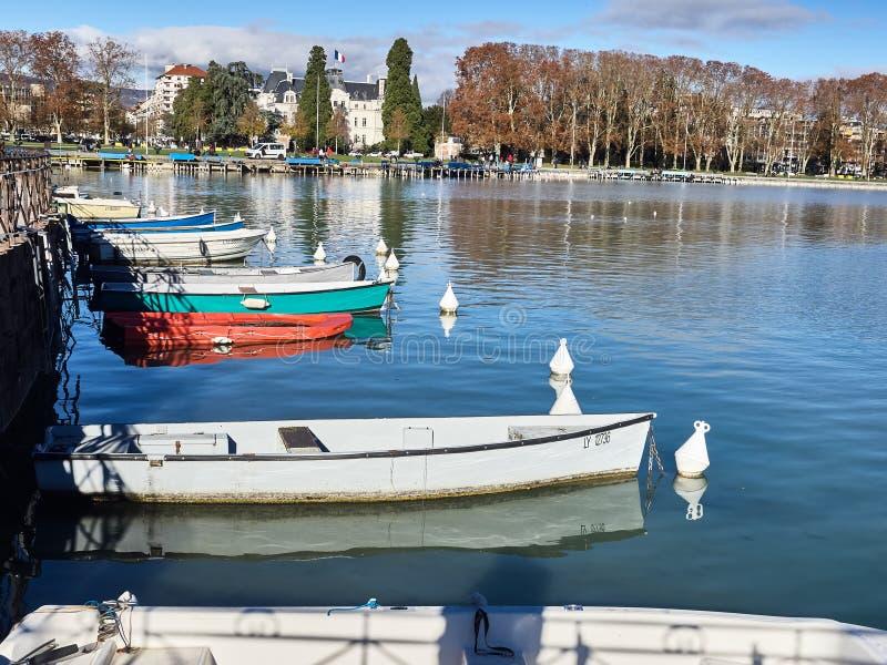 Rond geschoten van het meer van Annecy en de bergen royalty-vrije stock foto's