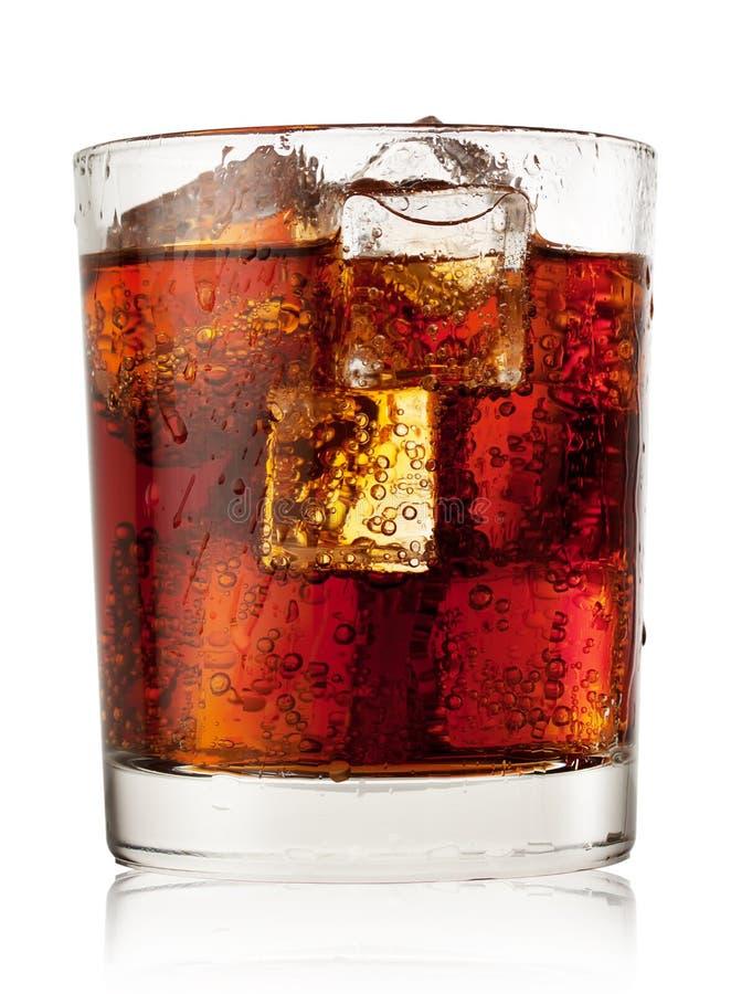 Rond glas kola met ijs stock afbeeldingen