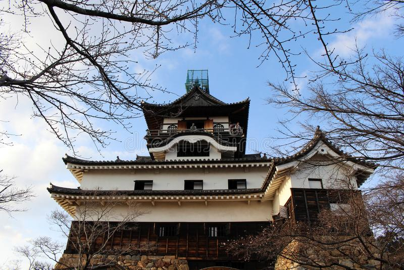 Rond Inuyama-Kasteel in Aichi-Prefectuur Gevestigd door Kiso R stock foto's