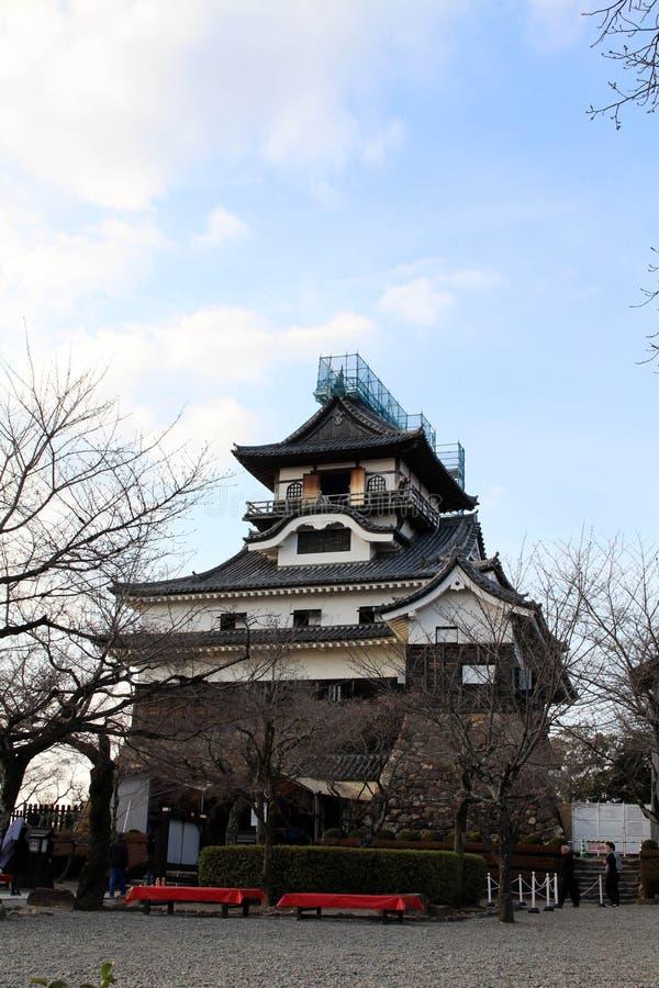 Rond Inuyama-Kasteel in Aichi-Prefectuur Gevestigd door Kiso R stock afbeeldingen
