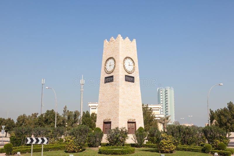Rond point de tour d'horloge à Kuwait City photos stock