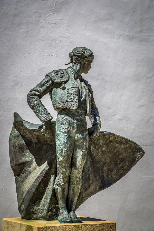 RONDA, ANDALUCIA/SPAIN - 3 ΜΑΐΟΥ: Άγαλμα Cayetano Ordonez στοκ φωτογραφία