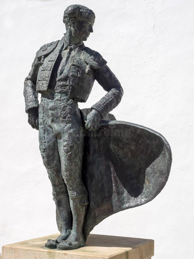 RONDA, ANDALUCIA/SPAIN - 8 MAGGIO: Statua di Cayetano Ordonez fotografia stock libera da diritti