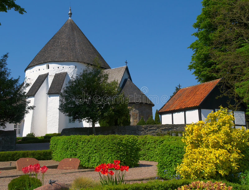 Ronde Kerk, Osterlars, Bornholms stock fotografie