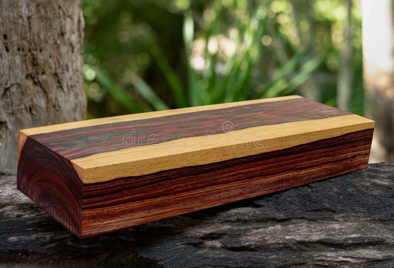 Rondins en bois de bois de rose birman photographie stock