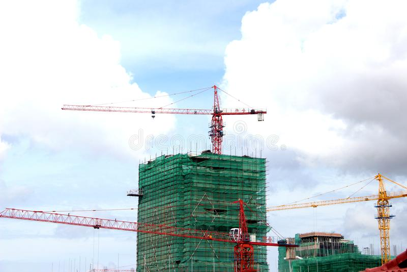 Rood Crane Building Construction royalty-vrije stock afbeelding