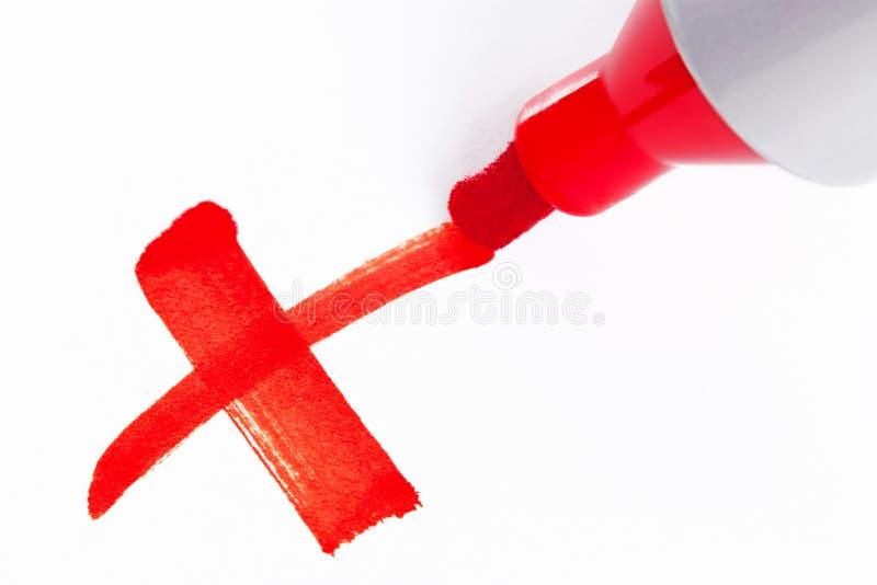 Rood die X met een markeerstift wordt getrokken royalty-vrije stock foto