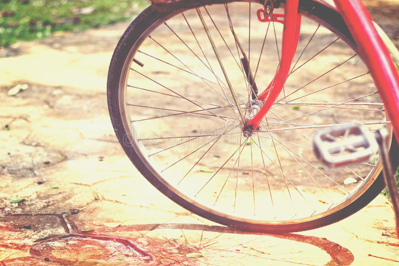 Rood fietswiel royalty-vrije stock fotografie