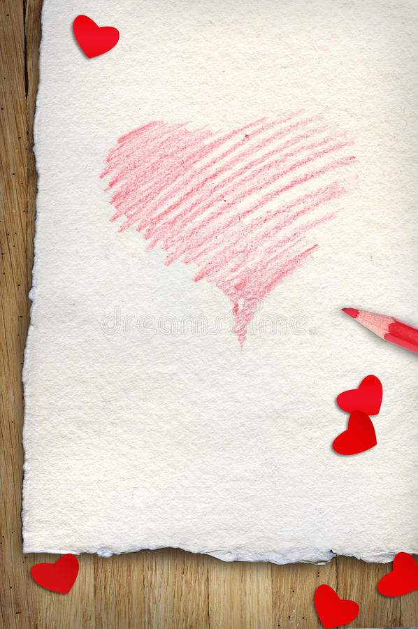 Rood getrokken hart op papier stock afbeeldingen