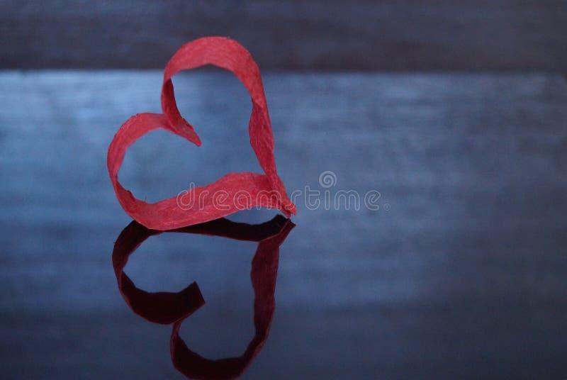 Rood hart van document stock foto's