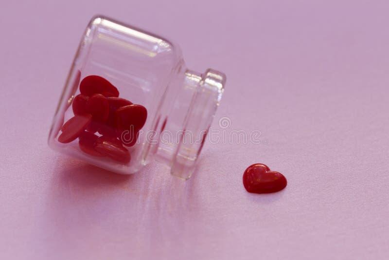 Rood hart van flessenglas royalty-vrije stock foto