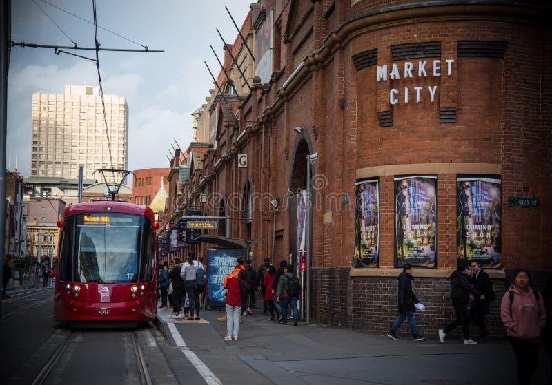 Rood lichtspoor die Marktstad in Sydney Chinatown doornemen royalty-vrije stock foto