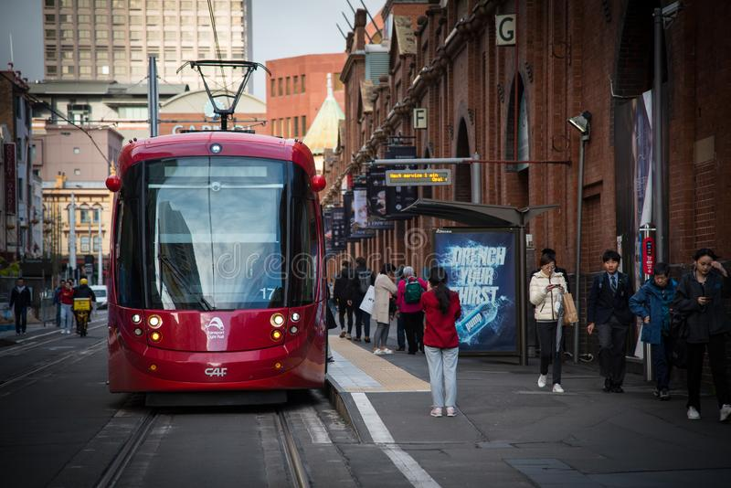 Rood lichtspoor die Marktstad in Sydney Chinatown doornemen royalty-vrije stock afbeelding
