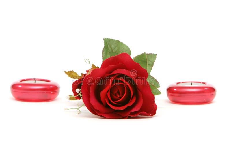 Rood nam en kaarsen toe royalty-vrije stock afbeelding