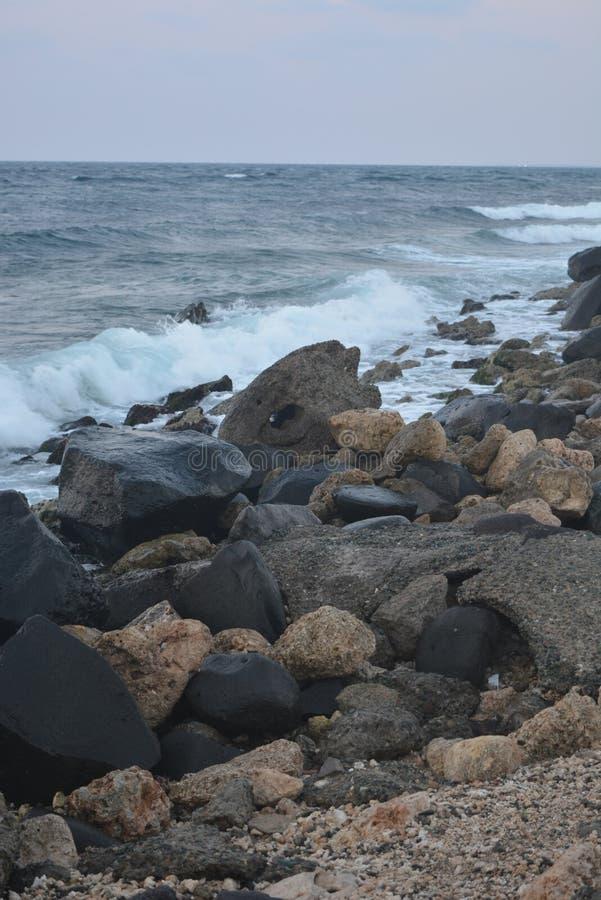 Rood Overzees strand royalty-vrije stock afbeeldingen