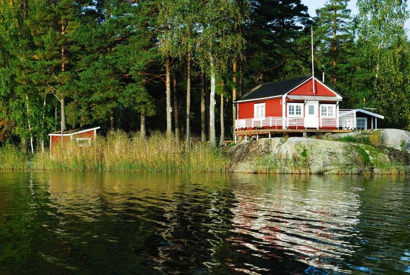 Rood plattelandshuisje royalty-vrije stock foto's
