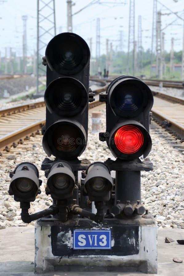 Rood treinsignaal stock afbeeldingen