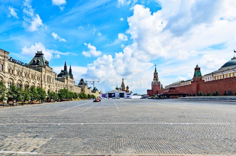 Rood vierkant in Moskou op de vooravond van de viering van baptis stock afbeelding