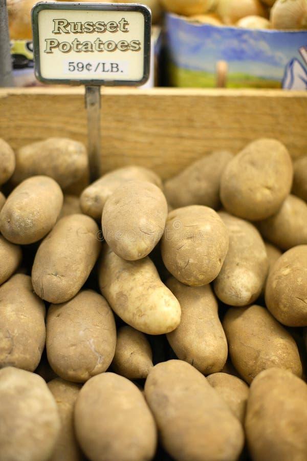 Roodbruine Aardappels stock afbeelding