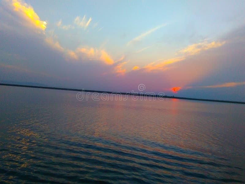 Roodgloeiende zonsondergang royalty-vrije stock foto