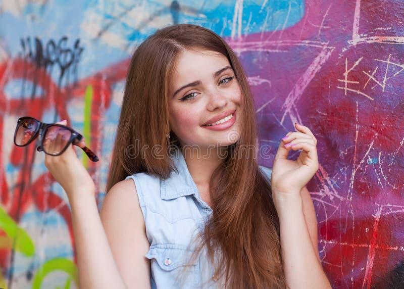 Roodharig meisje hipster royalty-vrije stock foto
