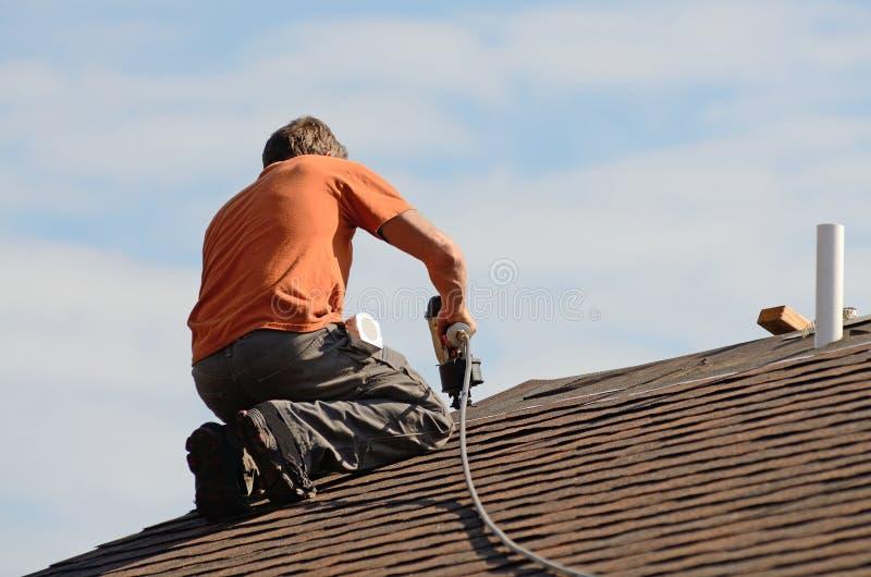 roofing στοκ φωτογραφία με δικαίωμα ελεύθερης χρήσης