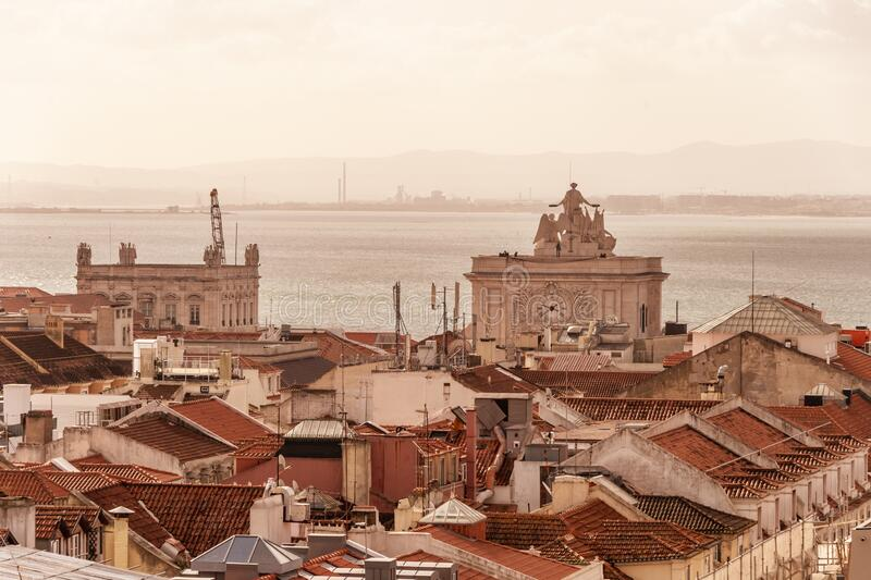 Rooftop-luchtvisie Lissabon stock foto's