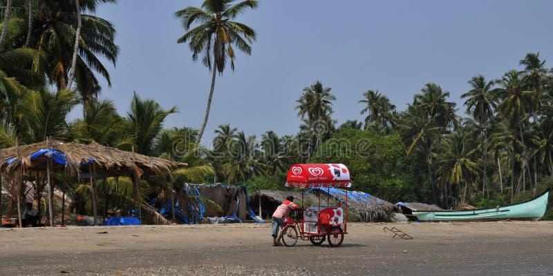 Roomijsverkoper op een Strand in Goa, India royalty-vrije stock foto's