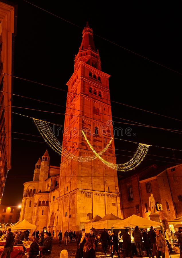 Rooms-katholieke kathedraal (Duomo) in Modena, Italië stock fotografie
