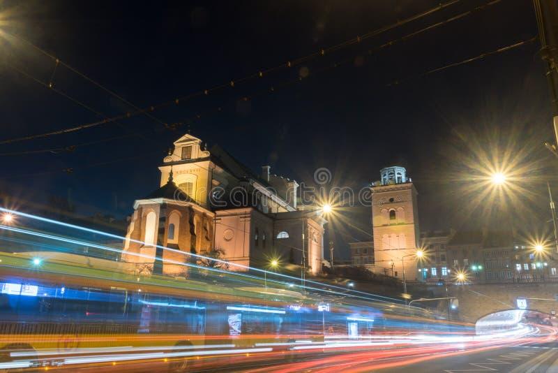 Rooms-katholieke kerk van Heilige Anne bij nacht royalty-vrije stock afbeelding