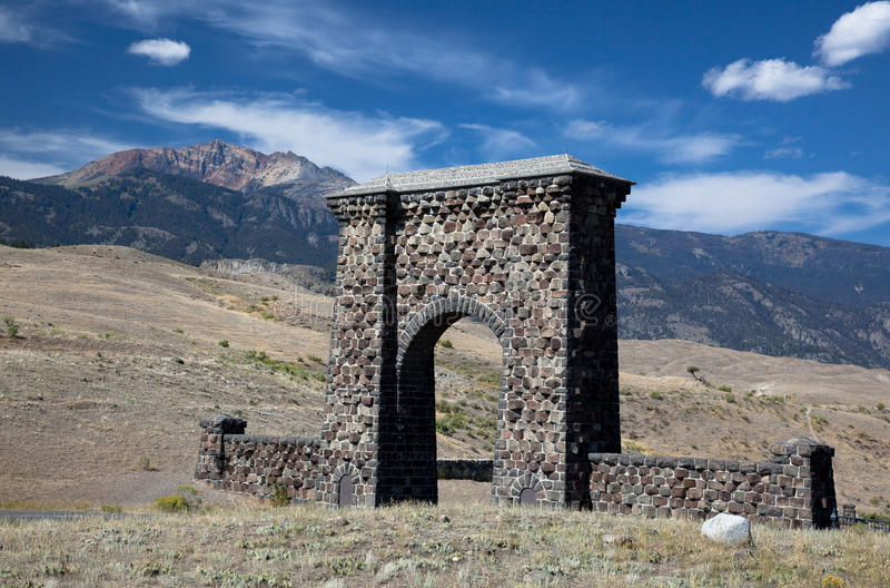 Roosevelt-Bogen, Yellowstone lizenzfreies stockbild