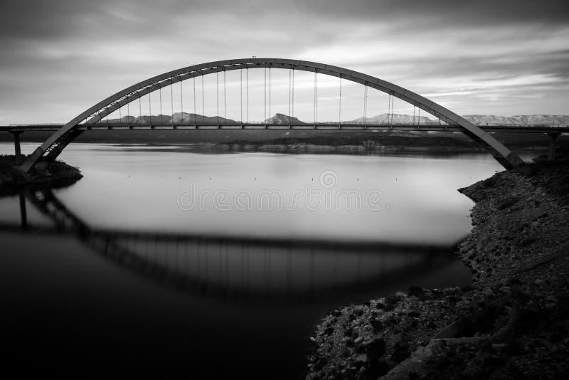 Roosevelt Bridge en Dam stock foto's