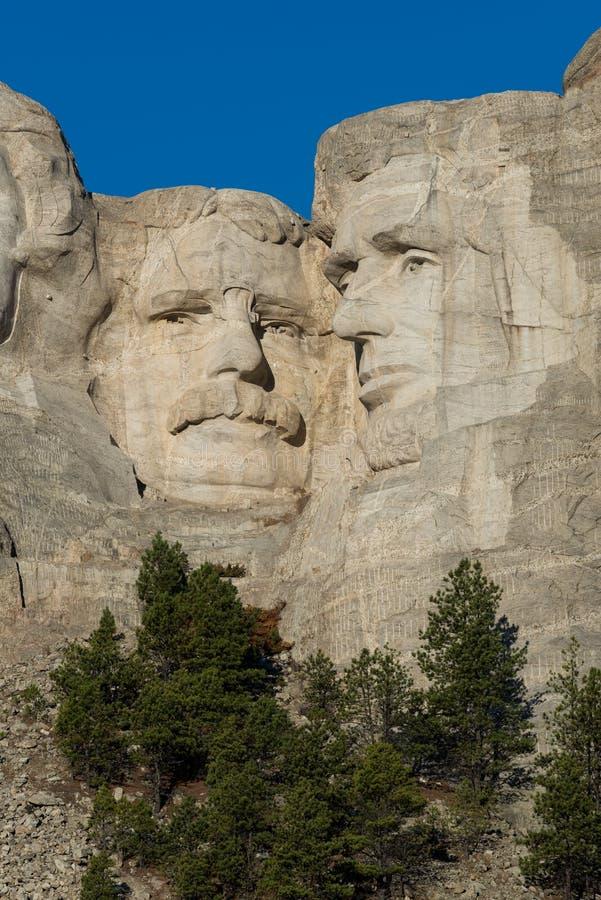 Roosevelt e Lincoln na montagem Rushmore foto de stock