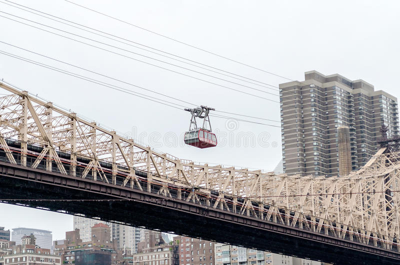 Download Roosevelt Island Tramway, New York Stock Photo - Image: 33130614