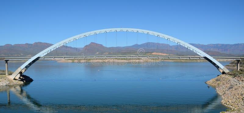 Roosevelt See-Brücke lizenzfreies stockbild