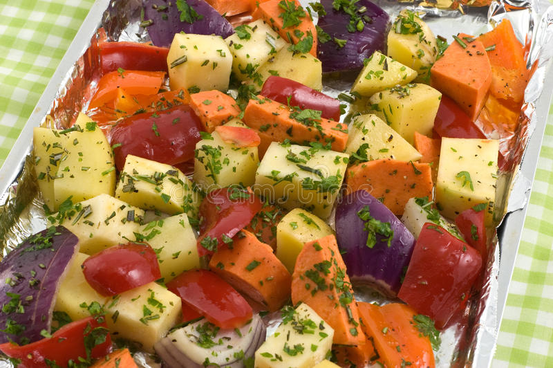 Roosterende groenten stock foto's