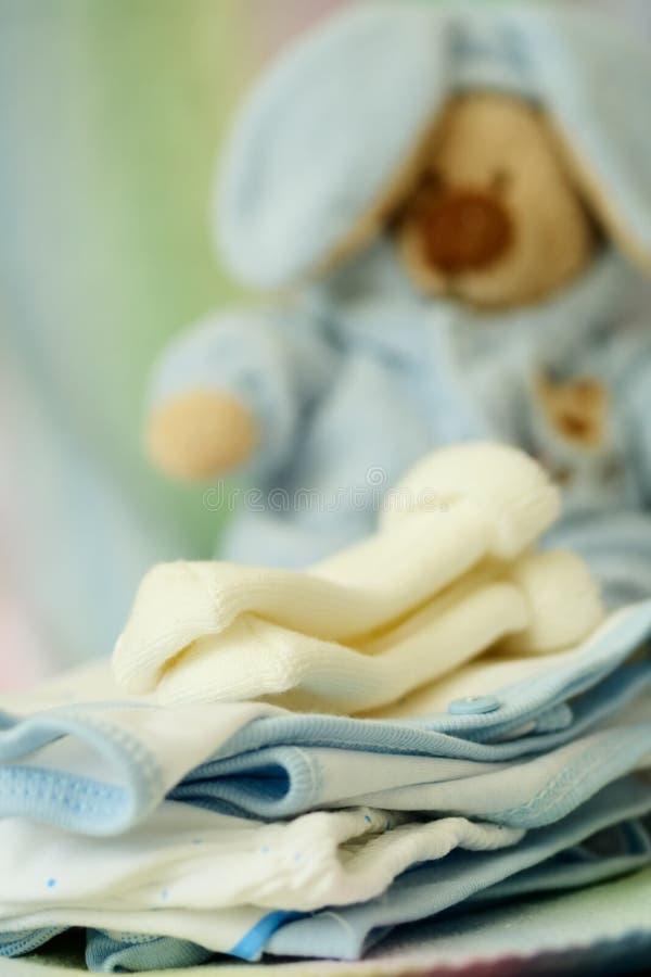 Ropa del bebé imágenes de archivo libres de regalías