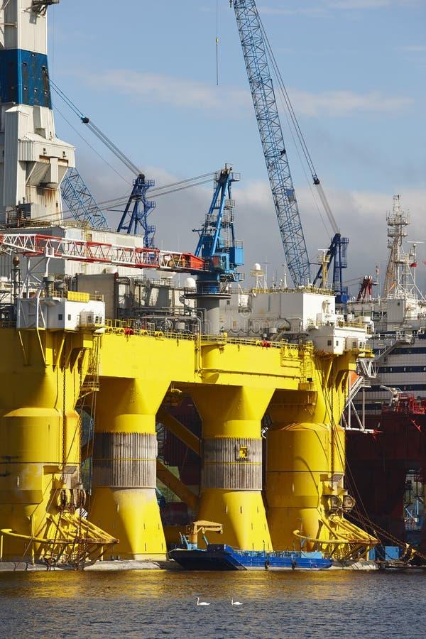 Ropa i gaz platforma w Norwegia Przemysł energetyczny petroleum obrazy stock