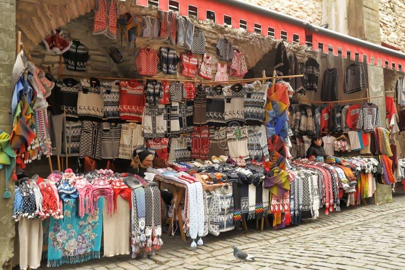 Ropa tejida a mano de lana en Tallinn foto de archivo libre de regalías