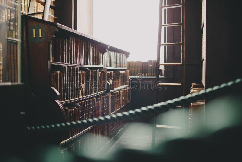 Roped από το τμήμα της παλαιάς βιβλιοθήκης στοκ φωτογραφία με δικαίωμα ελεύθερης χρήσης