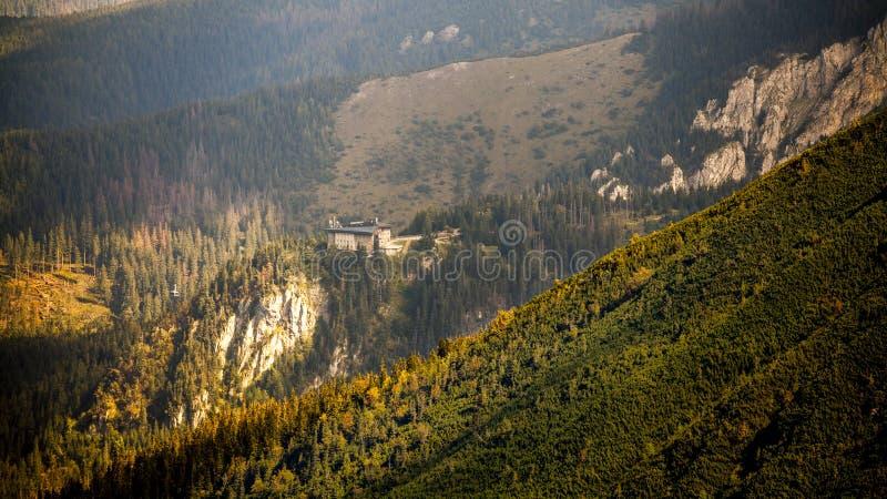 Ropeway в горах стоковая фотография rf
