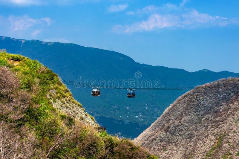 Ropeway da montanha, teleférico imagens de stock royalty free