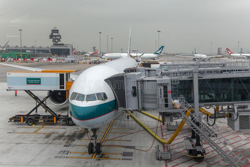 A?roport de Hong Kong, Hong Kong-d?cembre 6,2018 : Arr?t plat de ligne a?rienne de Cathay Pacific dans l'a?roport international d photos libres de droits