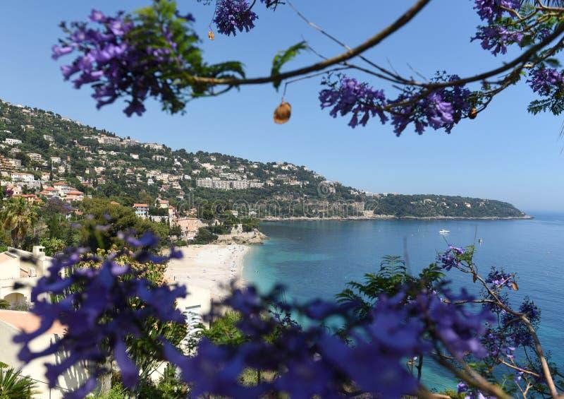 Roquebrune-Kappe-Martin, Provence-Alpes-Taubenschlag d 'Azur, Frankreich Cote d'Azur von französischem Riviera lizenzfreie stockfotografie
