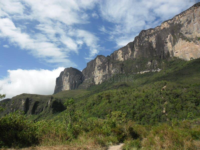 Roraima Mountain. Vista de Roraima desde el campamento base royalty free stock images