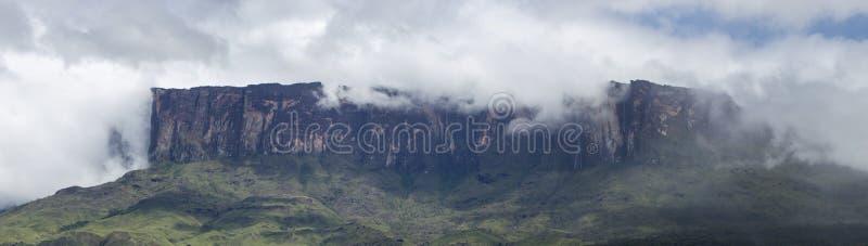 Roraima Tepui o montaña de la tabla en Canaima, Venezuela imagen de archivo