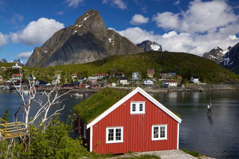Rorbuer на Lofoten стоковая фотография